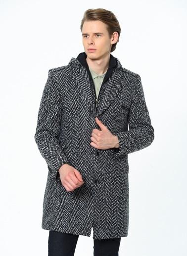Dewberry Cepli Polyesterli Ve Yünlü Düğmeli Erkek Palto Lacivert